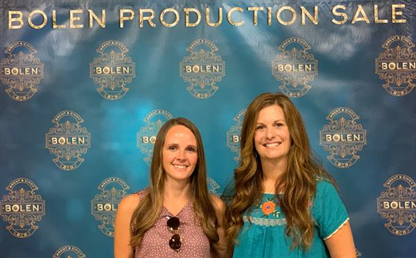 Hired Hand's Jaymie and Molly at the 2019 Bolen Production Sale.